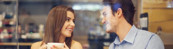 frau blickkontakt flirtsignale